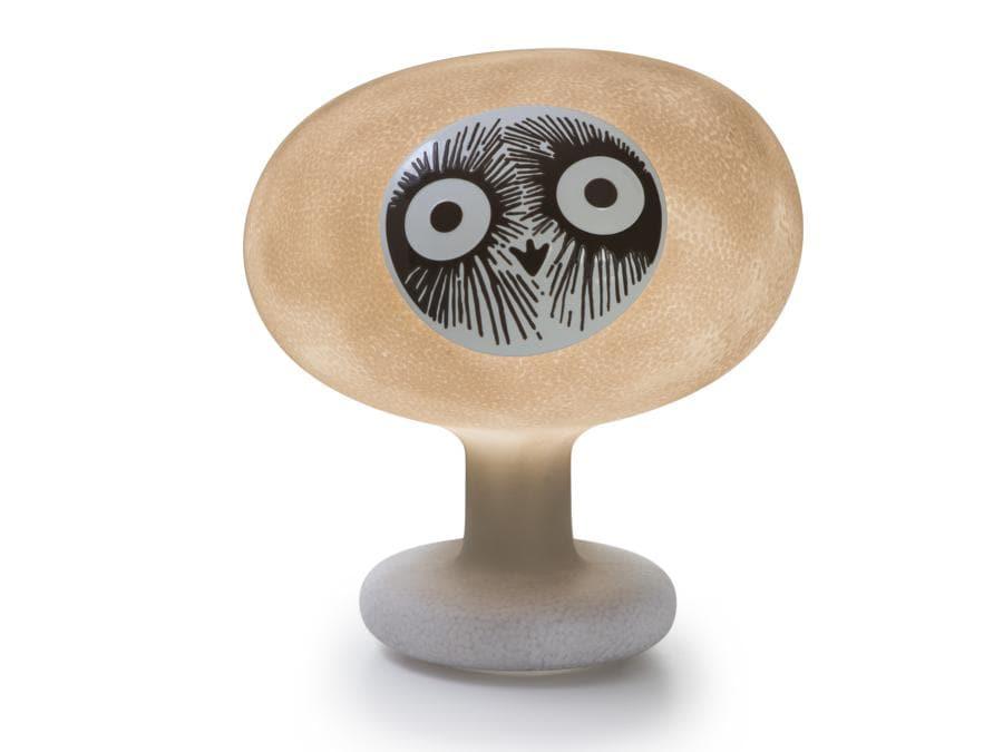 Linnut, di Oiva Toikka per Magis in collaborazione con Iittala. Collezione di uccelli che si ispira a quella in vetro soffiato (Birds by Toikka), sviluppata dal designer finlandese a partire dagli anni Settanta per Iittala. Questa volta però gli uccelli sono realizzati in policarbonato stampato in rotazionale. Sulo, Siiri, Kirassi e Palturi sono sculture luminose mobili, con batteria ricaricabile, per essere portate ovunque.
