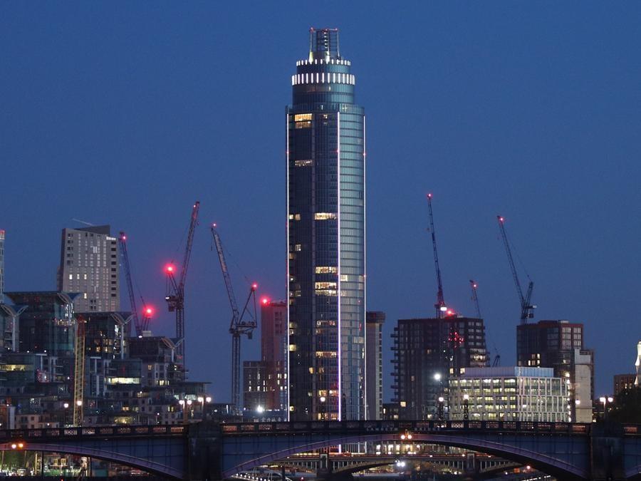 Il St. George Wharf Tower di Londra (Reuters)