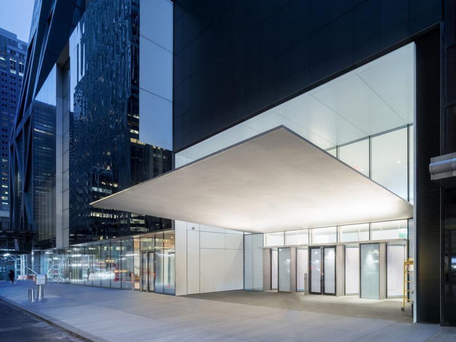 L'ingresso dalla 53esima strada ai nuovi spazi espositivi, ingranditi del 30% (credit: Iwan Baan, courtesy of MoMA)
