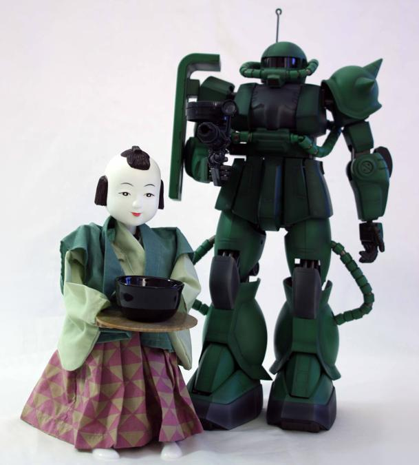 Karakuri Tea Serving Robot e Zaku II