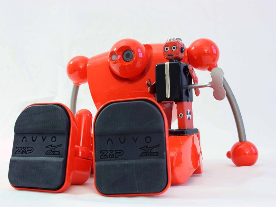 Nuvo e Robot a molla