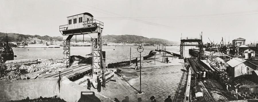 Il cantiere di costruzione del porto di Messina, realizzato grazie al supporto della Cassa depositi e prestiti, 1940-50
