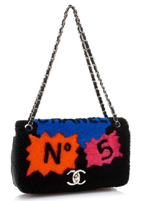 Borsa in shearling pop art, autunno-inverno 2014 (base d'asta 1,500 - 2,500 euro)