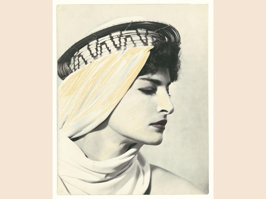 Man Ray, The Fifty Faces of Juliet, 1941-1954 (2009), cm 39,5 X 24 x 2,7, collezione privata, courtesy Fondazione Marconi, Milano, © Man Ray Trust by Siae 2019