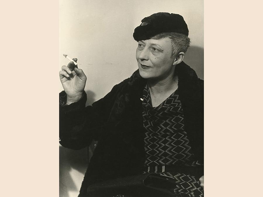 Man Ray,  Senza Titolo (ritratto di Mary Reynolds), 1937 - 1981, cm 30 x 22, Csac, Università di Parma, courtesy Csac, Università di Parma, Sezione Fotografia, © Man Ray Trust by Siae 2019