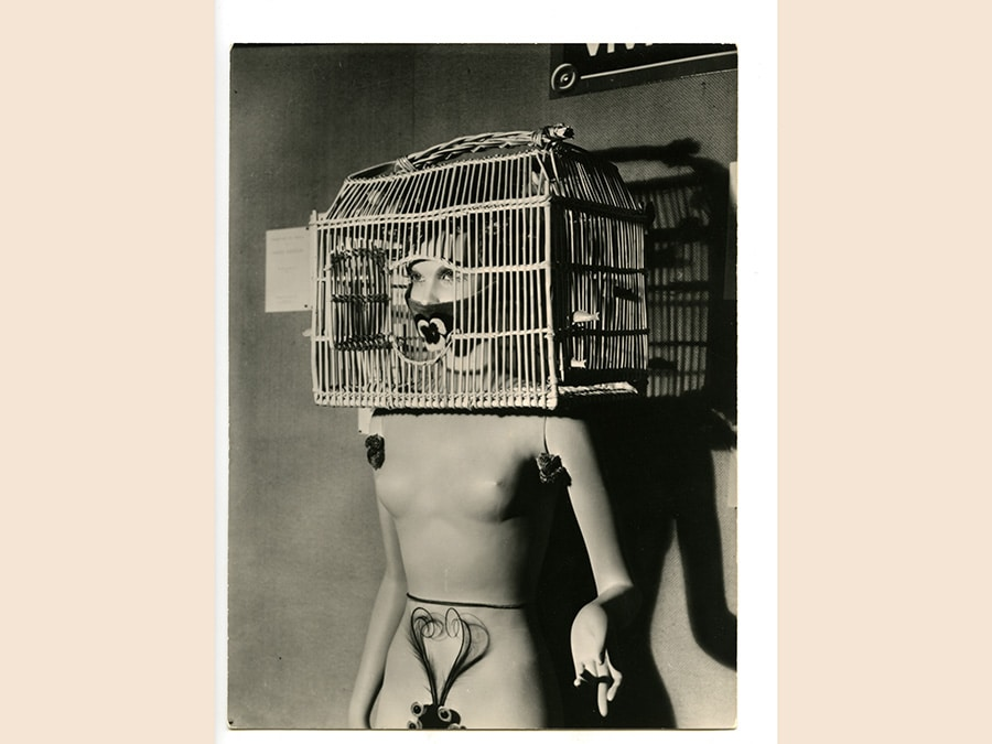 Man Ray, Resurrection des mannequins (Mannequin di André Masson. Mannequin with a bird cage over her head), 1938 - 1966, stampa vintage ai sali d'argento, cm 43 x 33, collezione privata, Parma, © Man Ray Trust by Siae 2019