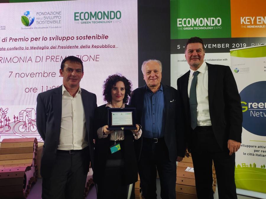 Ecomondo, Premio Sviluppo Sostenibile, Edo Ronchi con i premiati di Green Genius
