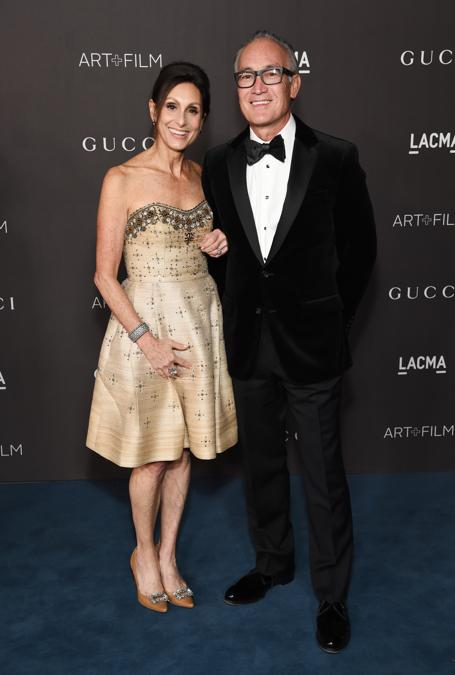 Joan Lubar e John Crouch (Photo by Michael Kovac/Getty Images for LACMA)