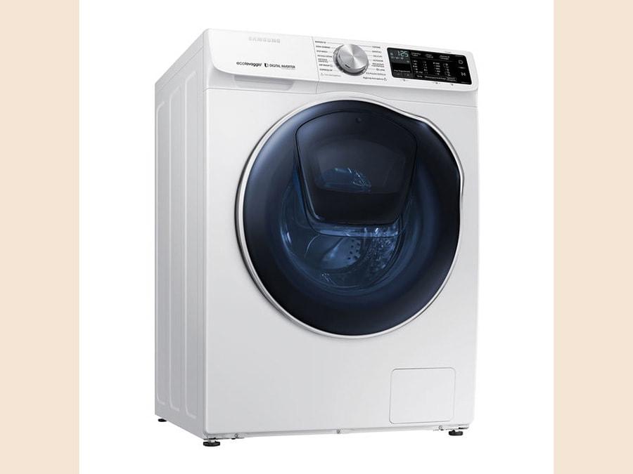 Samsung, ADDWash serie 6500, lavasciuga da 10 kg in lavaggio e 6 in asciugatura, con doppio oblò per aggiungere capi durante i programmi in modo molto semplice; con Q-Rator si ottengono consigli su misura per il bucato da fare, comunicando in WiFi i parametri; disinfetta e deodorizza; il programma completo di lavaggio e asciugatura dura 59 minuti