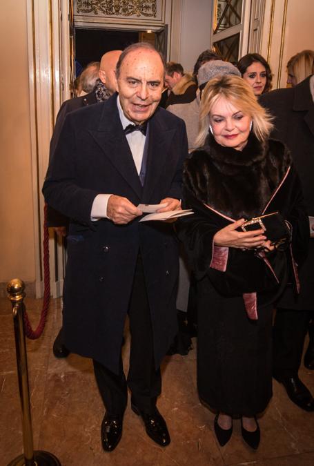 Bruno Vespa con la  moglie (Carlo Cozzoli/Fotogramma)
