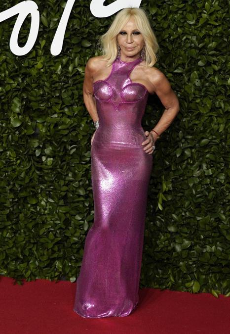 Donatella Versace in Versace (EPA/WILL OLIVER)