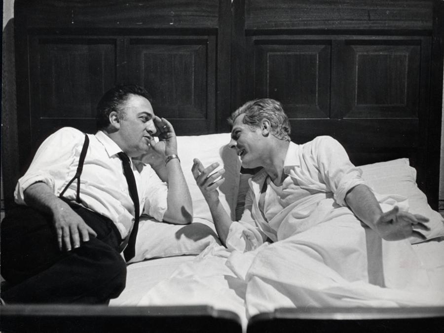 1963  - Federico Fellini e  Marcello Mastroianni sul set del film «Otto e mezzo» (Afp)