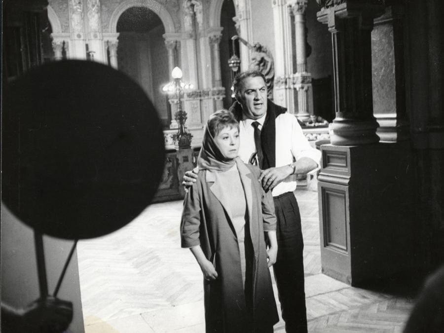 Federico Fellini  dirige  Gulietta Masina  in «Giulietta degli spiriti» (Afp)