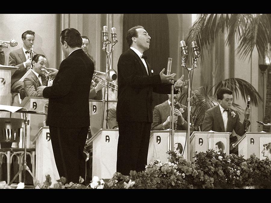 1954. Gino Latilla
