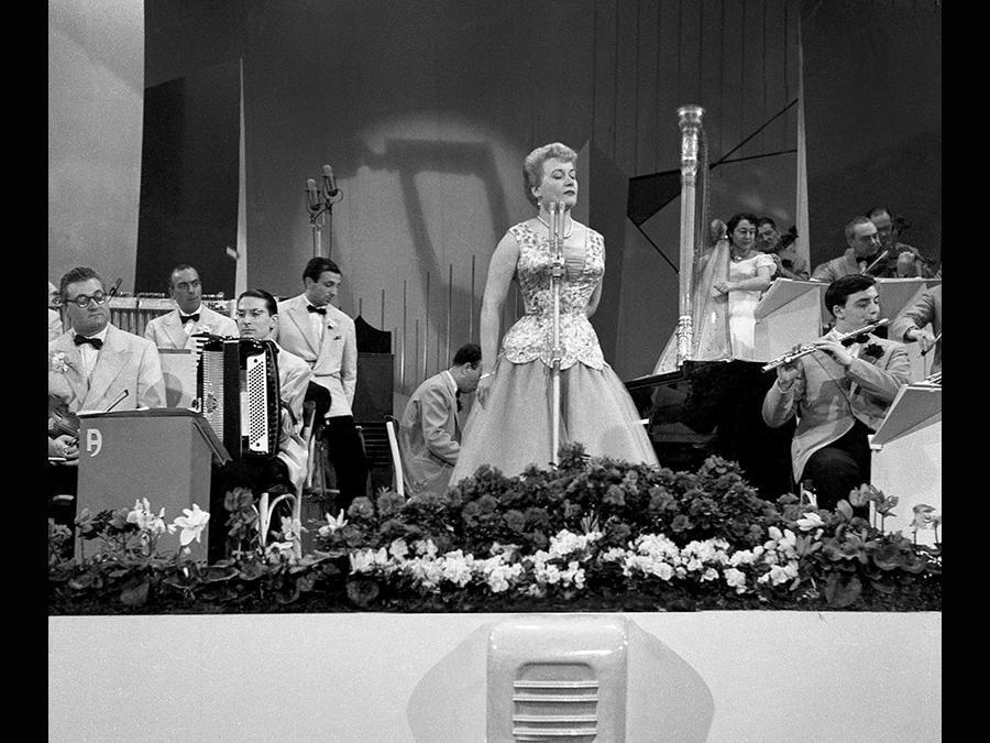 1953. Carla Boni in Gattinoni