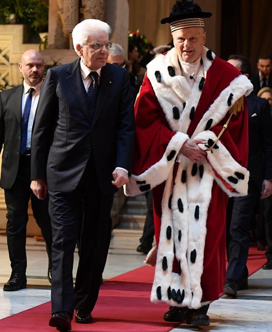Il presidente della Repubblica Sergio Mattarella e il Primo presidente della Cassazione Giovanni Mammone  durante l'inaugurazione dell'anno giudiziario in Cassazione. (ANSA / ETTORE FERRARI)
