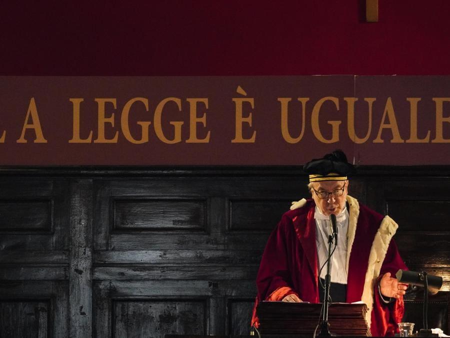 Il presidente della Corte di Appello Giuseppe de Carolis momento dell'inaugurazione dell'anno giudiziario a Napoli. (ANSA/CESARE ABBATE)