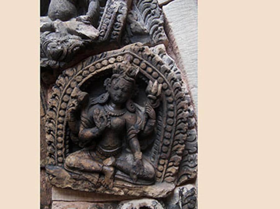 Nepal, Patan. Palazzo Reale: un bassorilievo sul portale (Quanta System – Gruppo El.En) / PRIMA