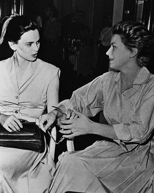 """1951 - """"Quando guardavamo le Miss in bianco e nero"""" - Speciale Miss Italia - Lucia Bose e Silvana Mangano (Archivio Storico ANSA)"""