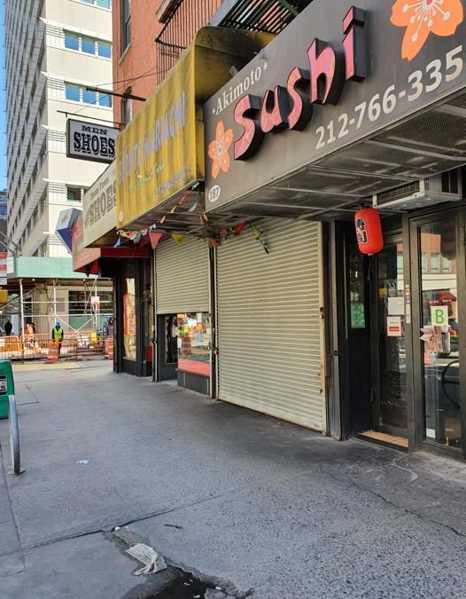I ristoranti e i fast food di New York sono chiusi al pubblico. Lavorano solo con il delivery.