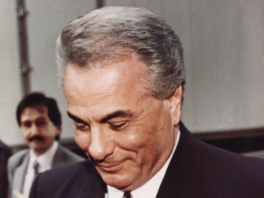 """2 aprile 1992, il boss della mafia John Gotti, soprannominato """"Teflon Don"""" viene condannato per omicidio e racket a New York (Reuters)"""