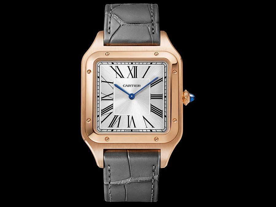 Cartier. Sono maggiori le dimensioni della cassa in oro del nuovo Santos-Dumont XL che, al suo interno, ospita un movimento meccanico a carica manuale realizzato in house.