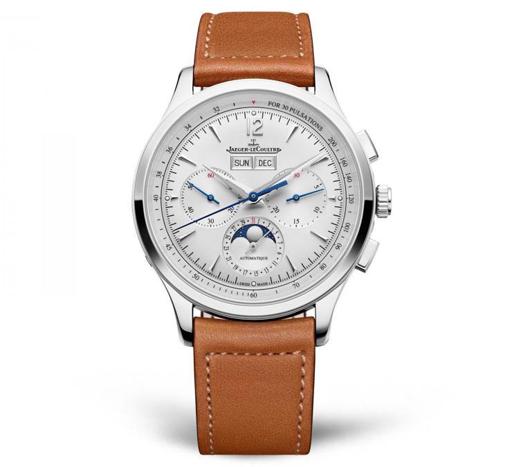 JAEGER-LECOULTRE. Con Master Control Chronograph Calendar, Jaeger-LeCoultre presenta anche un nuovo sofisticato movimento meccanico a carica automatica di manifattura che aziona anche le indicazioni del cronografo, della data, del giorno della settimana, del mese e delle fasi lunari. Cassa in acciaio