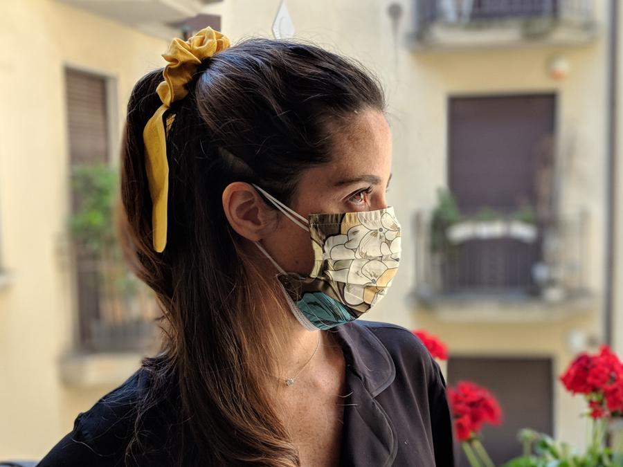 Le mascherine artigianali in seta di Le Marzoline