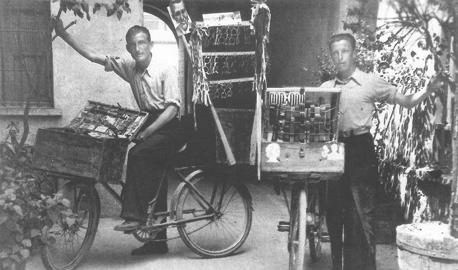Barsani. Venivano da Treschietto in Lunigiana e giravano per le cascine, in bicicletta o con i carretti a mano, per vendere le loro mercanzie