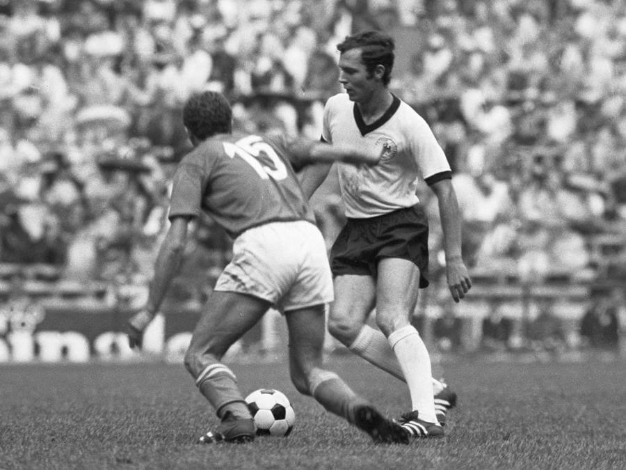 A destra, Franz Beckenbauer (Afp)