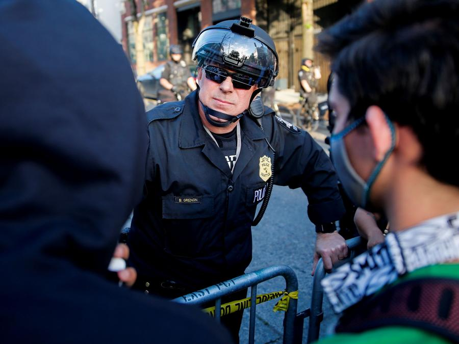 Proteste a Seattle. (REUTERS/Lindsey Wasson)