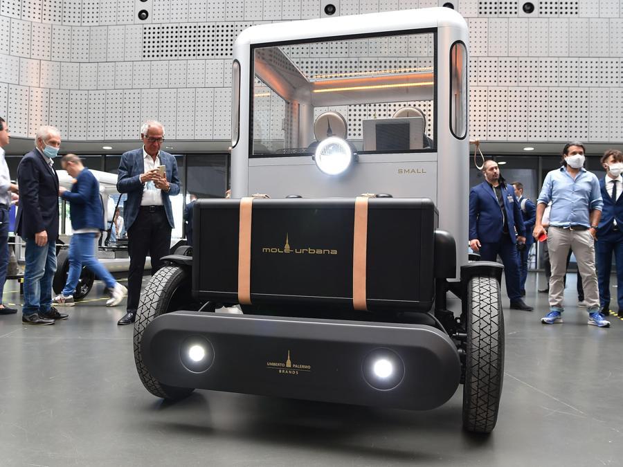 """Presentazione della nuova auto elettrica """"Mole Urbana"""" realizzata dal Brand Umberto Palermo preeo il museo nazionale dellìautomobile, Torino, 2 luglio 2020 ANSA/ ALESSANDRO DI MARCO"""