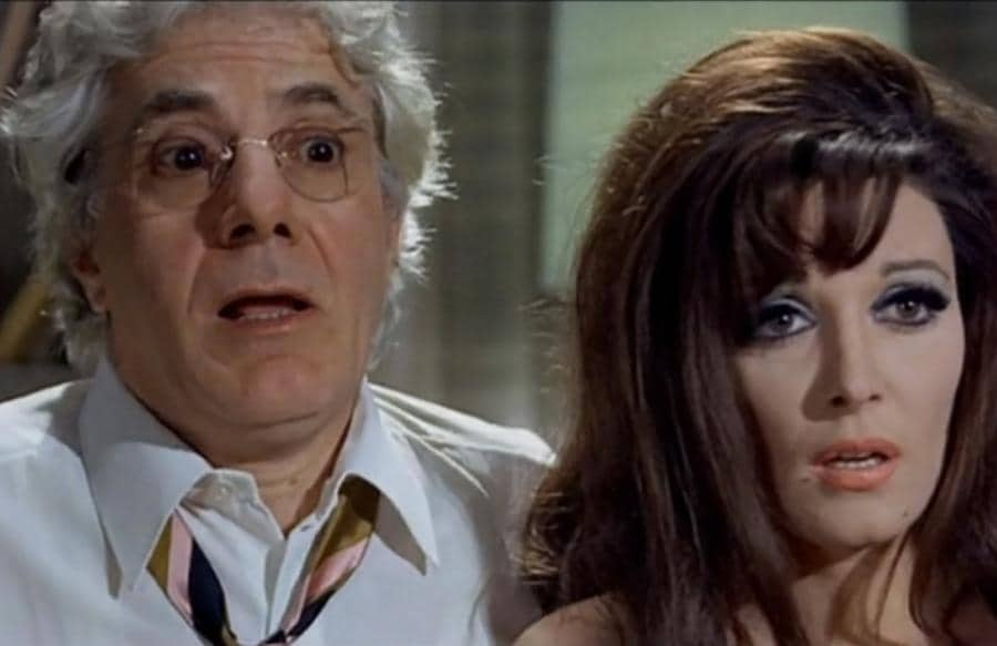 """Gianrico Tedeschi e Isabella Biagini nel film """"Gli infermieri della mutua"""""""