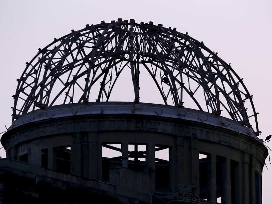 Lo scheletro del Prefectural Industrial Promotion Hall di Hiroshima ora Atomic Bomb Dome Peace Memorial (REUTERS/Thomas Peter)