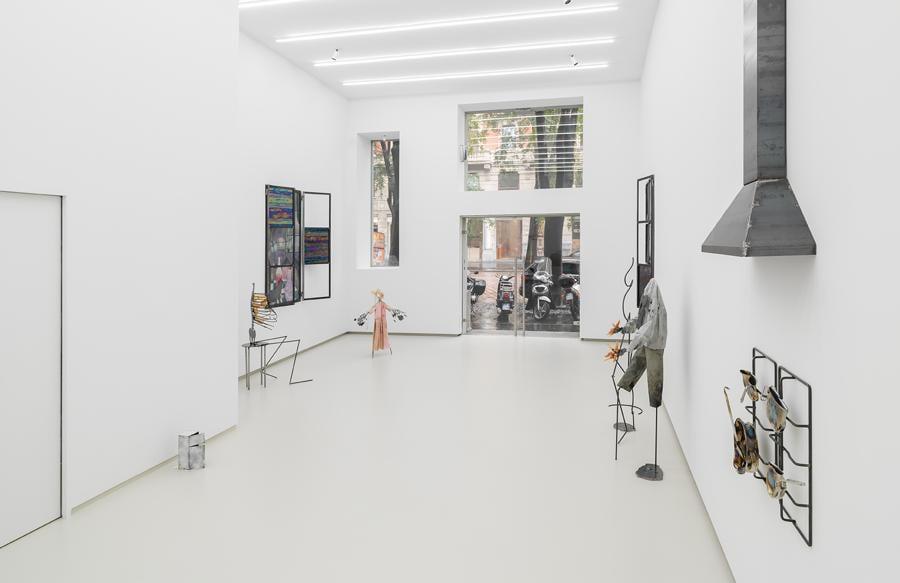 La Tempesta Gallery di Milano con la mostra di Lucia Leuci, courtesy Tempesta Gallery