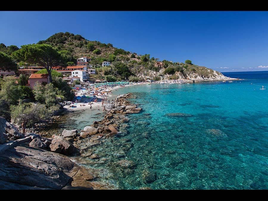 Isola d'Elba: spiaggia di Sant'Andrea, comune di Marciana (Credit RobertoRidi/VisitElba.info)
