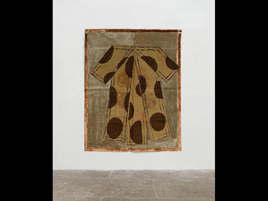 ISABELLA DUCROT - Ripetizione Marrone, 2018 - Textile and pigments on stretched paper / tessuto e pigmenti su carta intelaiata - 188 × 152 cm (74 × 59 ⅞ inches) - Collezione Taurisano, Napoli - Photo: Roberto Apa