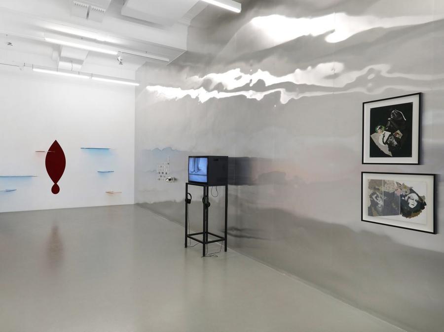 Osías Yanov e Sirenes Errantes, Dana Michel und Stacy Maurice, Francisco Copello, Installazione alla 11a Berlin Biennale, daadgalerie, 5.9.–1.11.2020, Foto: Silke Briel, Courtesy Berlin Biennale