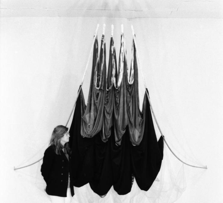 Rosemary Mayer, Balancing, 1972, Courtesy: the Estate of Rosemary Mayer, in mostra da Chert Lüdde durante il Gallery Weekend Berlin 2020
