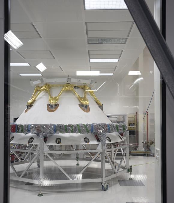 Torino, Thales Alenia Space, ISO 7 Ultraclean Room – programma ExoMars 2022 - Scudo frontale di Volo