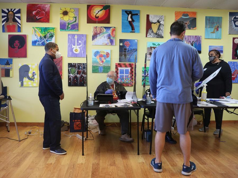 Votanti a  Chicago, Illinois (REUTERS/Daniel Acker)