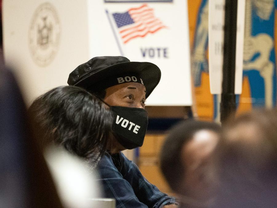 Un seggio a  Chelsea, New York City (Photo by Bryan R. Smith / AFP)