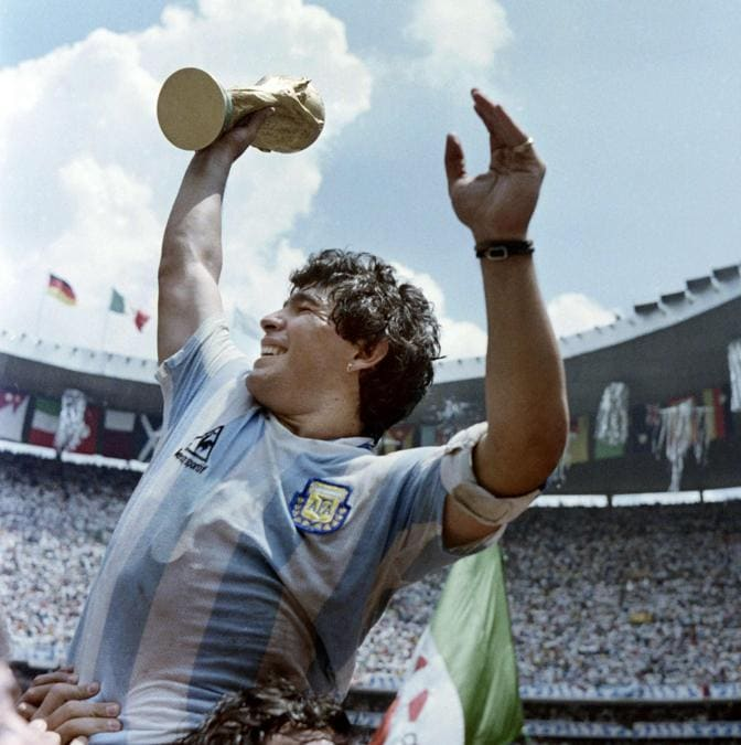 29 giugno, 1986. (Photo by STAFF / AFP)