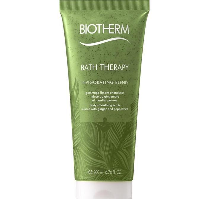 Body Smooth Therapy Revitalizing Blend di Biotherm, sale marino, alga mineraria e oligoelementi rivitalizzanti per stimolare il microcircolo