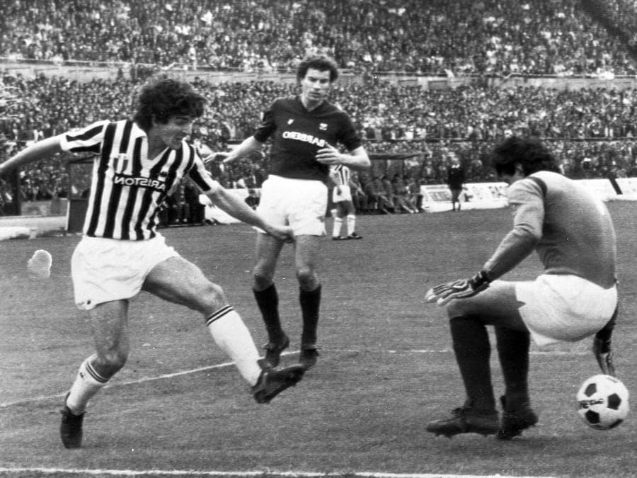 Durante il  derby contro il Torino nel  1983 (ANSA)