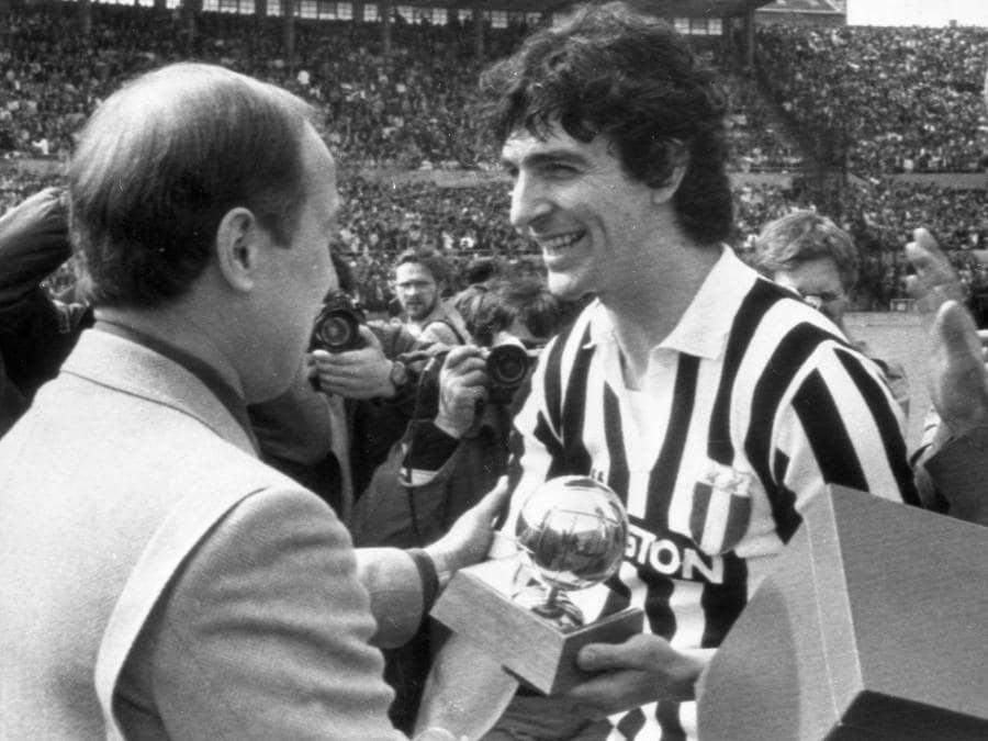 Nel 1983, durante la consegna del Pallone d'Oro (ANSA/OLDPIX)