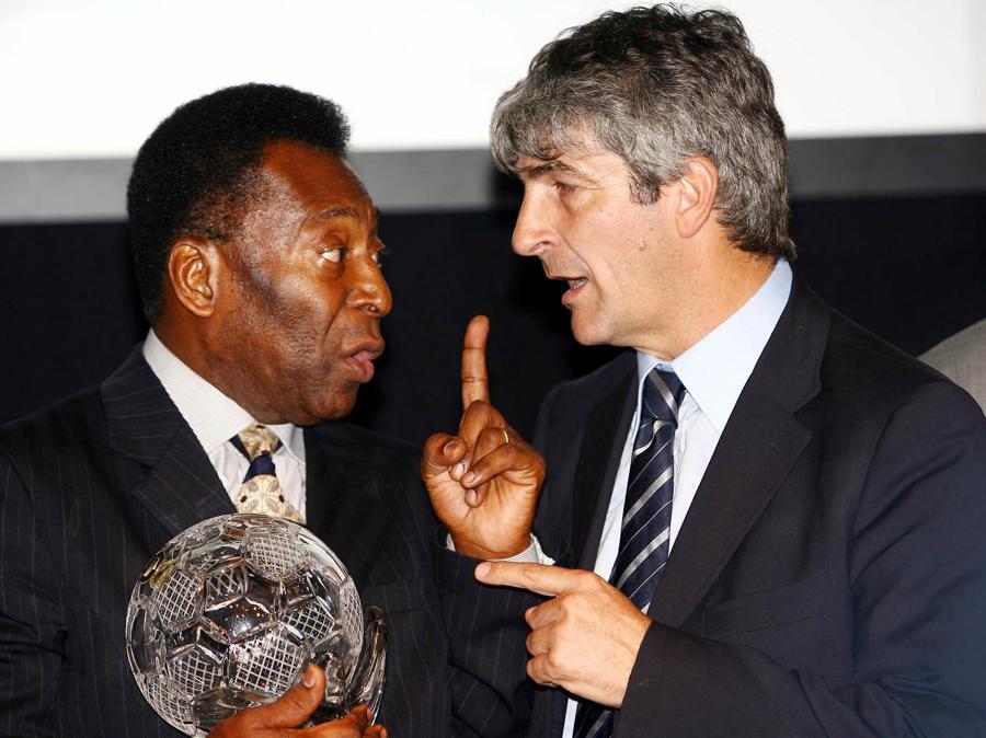 Con Pelè a Siena per il Premio Artemio Franchi nel 2006 (CARLO FERRARO / ANSA / PAL)