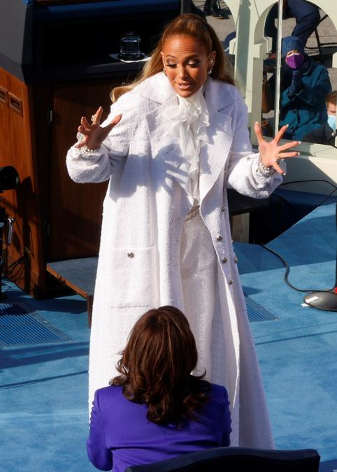 Jennifer Lopez: Total look Chanel (Reuters/Jim Bourg)