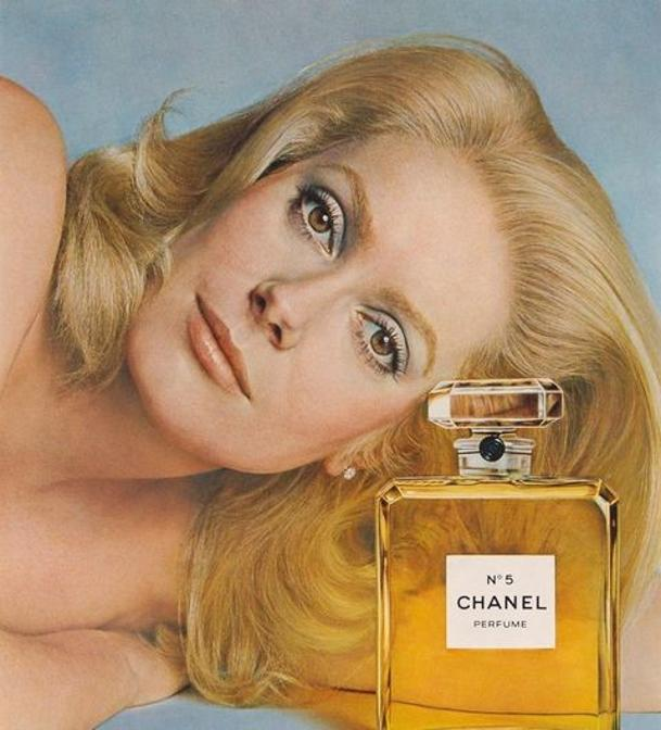 Catherine Deneuve per Chanel