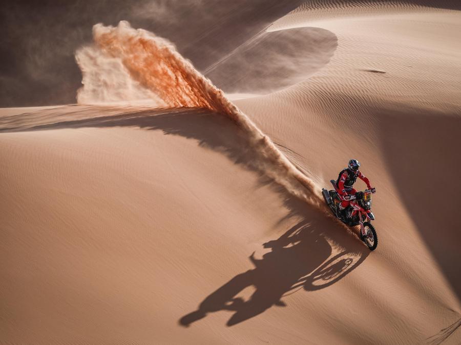Dakar Rally 2021 si svolge in Arabia Saudita ( EPA/Antonin Vincent)